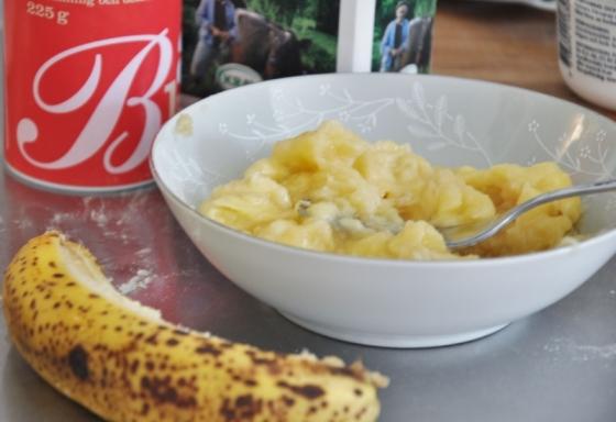 mosad banan (800x549)
